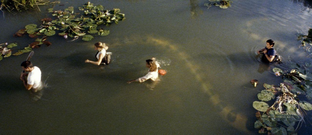 Sie sind schrecklich hungrig! Gigantische Riesen-Anakondas lauern im Dschungel Borneos auf ein amerikanisches Expeditionsteam ... - Bildquelle: Sony Pictures Television International. All Rights Reserved.