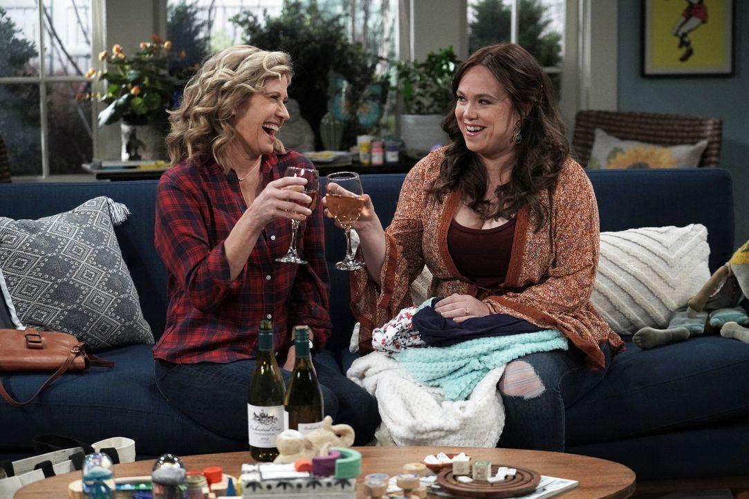 Vanessa Baxter (Nancy Travis, l.); Kristin Baxter (Amanda Fuller, r.) - Bildquelle: Michael Becker 2020 Fox Media LLC. / Michael Becker