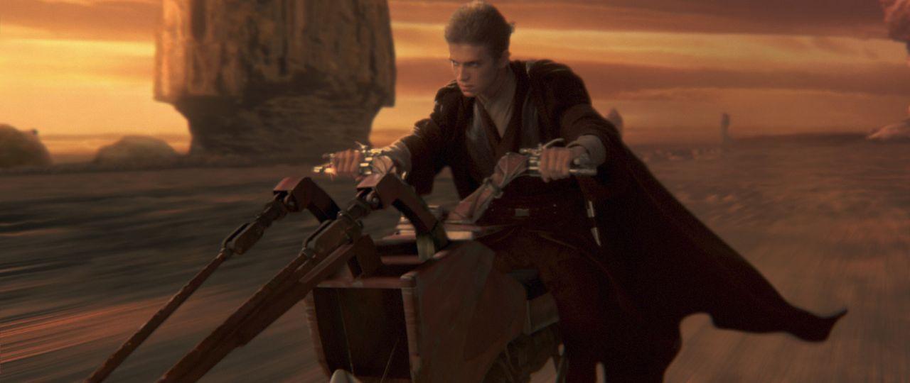 Um die von einem Attentat bedrohte Senatorin Amidala zu beschützen, wird Jedi-Schüler Anakin Skywalker (Hayden Christensen) ihr als Leibwächter z... - Bildquelle: Lucasfilm Ltd. & TM. All Rights Reserved.