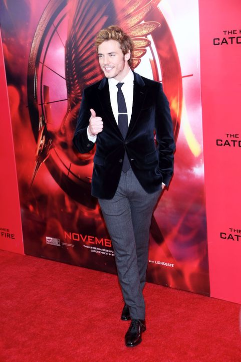 Catching-Fire-Premiere-NY-Sam-Claflin-13-11-20-Andres-Otero-WENN-com - Bildquelle: Andres Otero/WENN.com