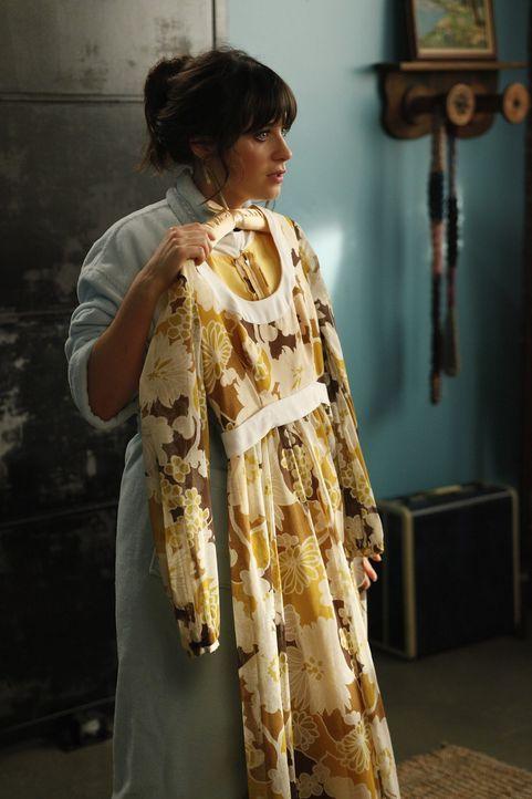 Jess (Zooey Deschanel) soll Nick zu einer Hochzeit begleiten, da er Angst hat, dass er dort auf seine Ex-Freundin trifft. Bei der Kleiderauswahl sin... - Bildquelle: 20th Century Fox