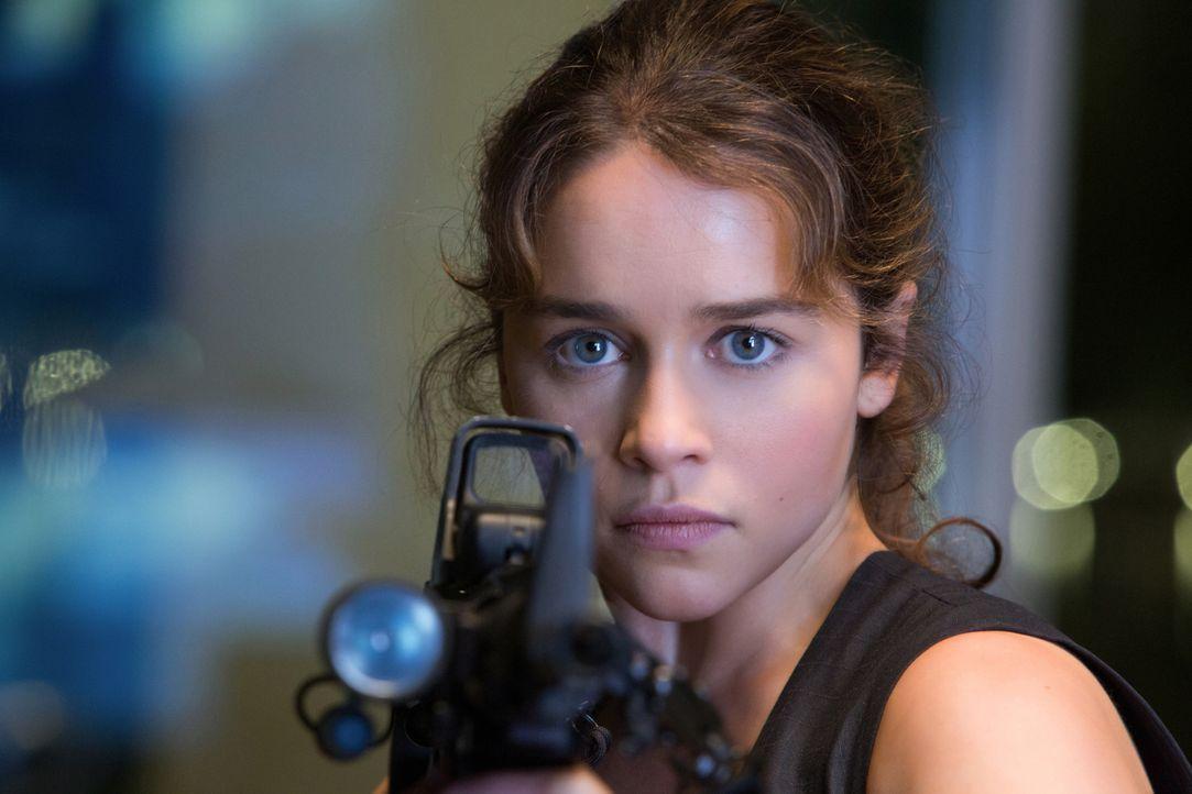 Sarah (Emilia Clarke) weiß sich immer zu verteidigen, doch ein Geheimnis aus der Vergangenheit holt sie ein ... - Bildquelle: 2015 PARAMOUNT PICTURES. ALL RIGHTS RESERVED.