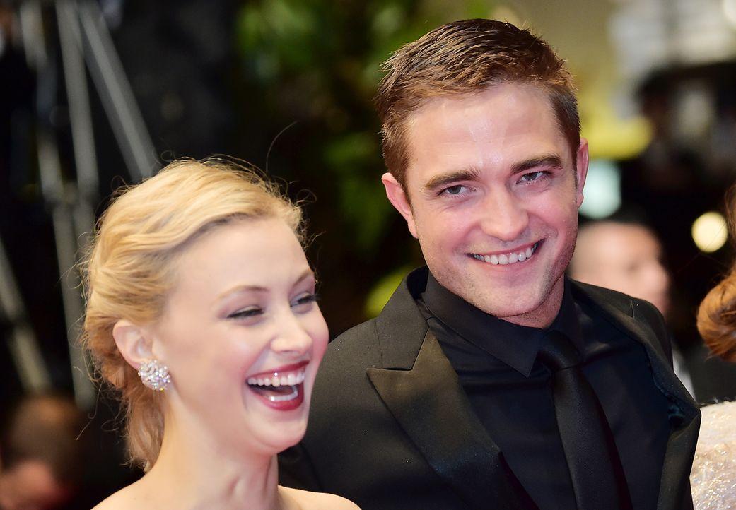 Cannes-Filmfestival-Sarah-Gadon-Robert-Pattinson-140519-AFP - Bildquelle: AFP