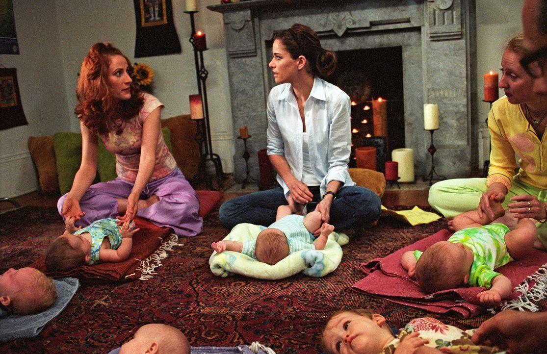 Weil die Anwältin Sofia (Amanda Peet, M.) nach der Geburt des Kindes zu Hause bleiben möchte, muss ihr fauler Ehemann die Kohle nach Hause bringen...