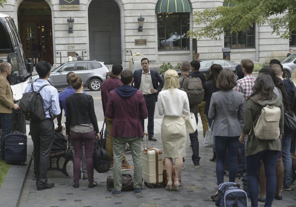 Liam (Josh Hopkins) hat für seine Rekruten eine neue Aufgabe - der erste Undercover-Einsatz steht bevor ... - Bildquelle: 2015 ABC Studios
