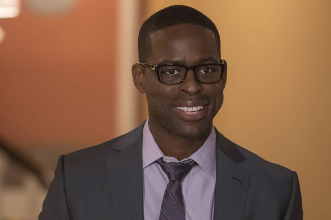 Stellt seine Berufswahl in Frage und überlegt, ob er den richtigen Weg eingeschlagen hat: Randall (Sterling K. Brown) ... - Bildquelle: Ron Batzdorff 2016-2017 Twentieth Century Fox Film Corporation.  All rights reserved.   2017 NBCUniversal Media, LLC.  All rights reserved.