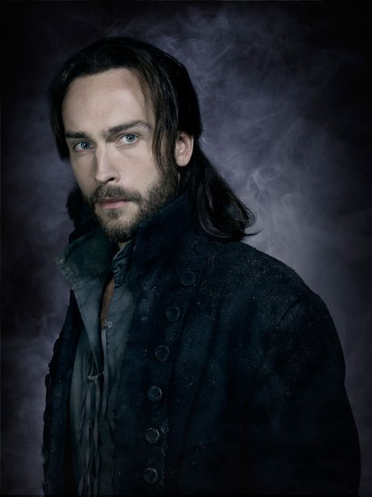 Sleepy-Hollow-Ichabod-Crane-Tom-Mison-(2)