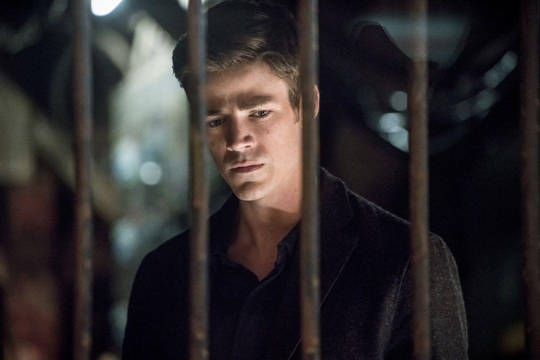 """Während Barrys (Grant Gustin) """"neues"""" Leben perfekt zu sein scheint, hat Joe mit einigen Problemen zu kämpfen. Kann Barry ihm helfen, obwohl der Det... - Bildquelle: 2016 Warner Bros."""