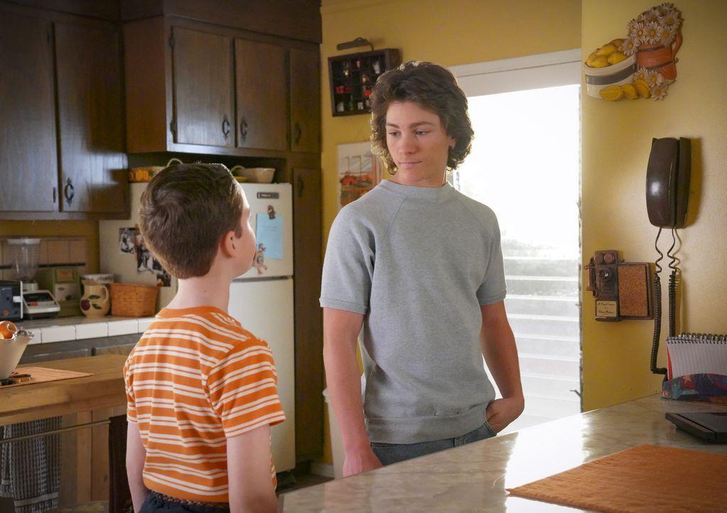 Sheldon (Iain Armitage, l.); Georgie Cooper (Montana Jordan, r.) - Bildquelle: 2020 Warner Bros. Entertainment Inc. All Rights Reserved.