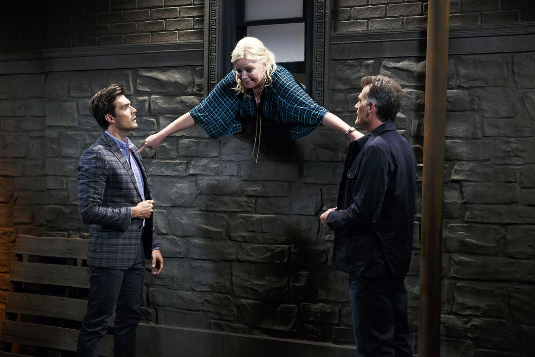 (v.l.n.r.) Brad (Peter Porte); Bonnie (Melissa Peterman); Jim (Bruce Thomas) - Bildquelle: Bruce Birmelin ABC Family