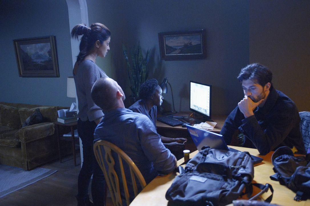 Gemeinsam versuchen sie, Informationen über den wahren Täter zu finden. Doch das ist nicht so einfach, da das FBI ihnen dicht auf den Fersen ist: Al... - Bildquelle: Philippe Bosse 2015 ABC Studios