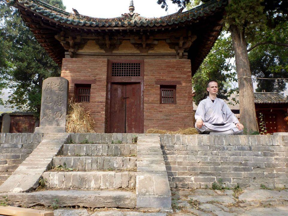 """In China beweist der Berliner René, wie """"schlagkräftig"""" Buddhismus sein kann. Der 25-jährige will Shaolin-Mönch werden. Für den Glauben hat Ren... - Bildquelle: ProSieben"""