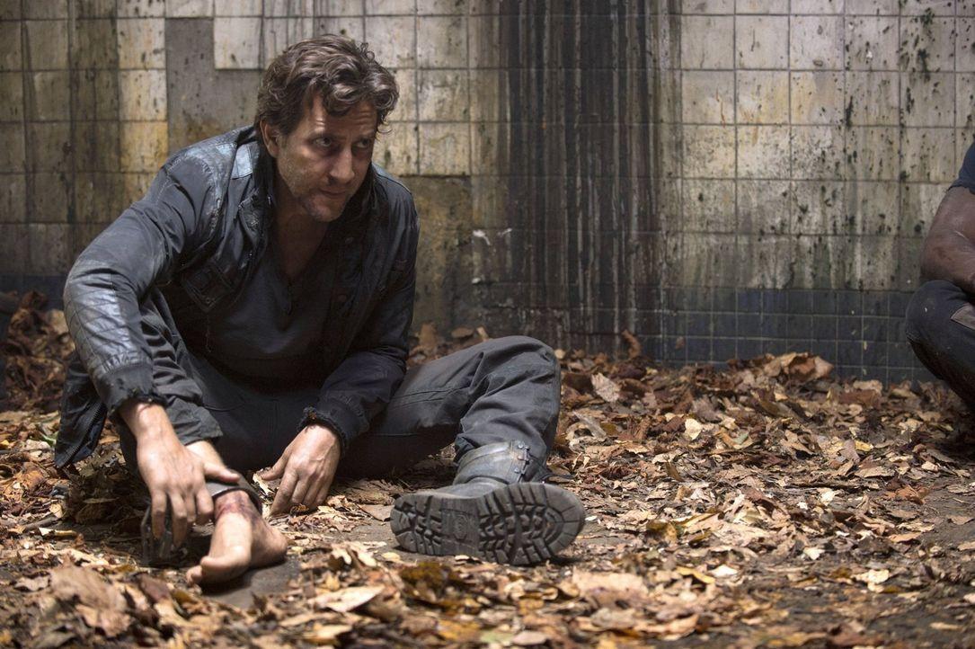 Noch ahnt Kane (Henry Ian Cusick) nicht, welche Spielchen die Grounder mit ihm und Jaha spielen ... - Bildquelle: 2014 Warner Brothers