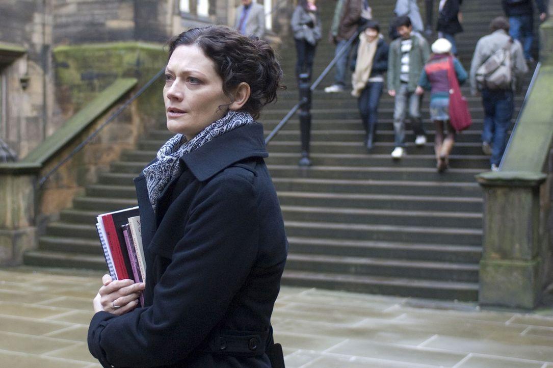 Die Parapsychologin Mary Florescu (Sophie Ward) ahnt nicht, dass sie einem Schwindler aufgesessen ist. Doch glücklicherweise lassen sich das die Tot... - Bildquelle: Sunfilm