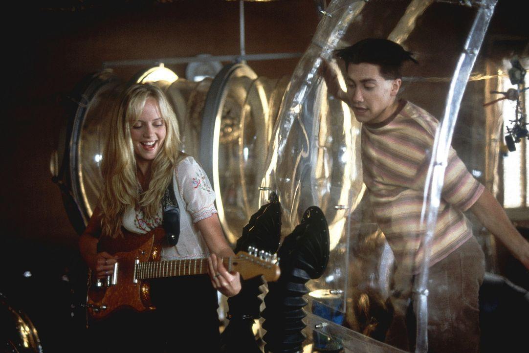 Immer wieder gelingt es Chloe (Marley Shelton, l.), Jimmy (Jake Gyllenhaal, r.) eine tolle Überraschung zu bereiten ... - Bildquelle: Touchstone Pictuures
