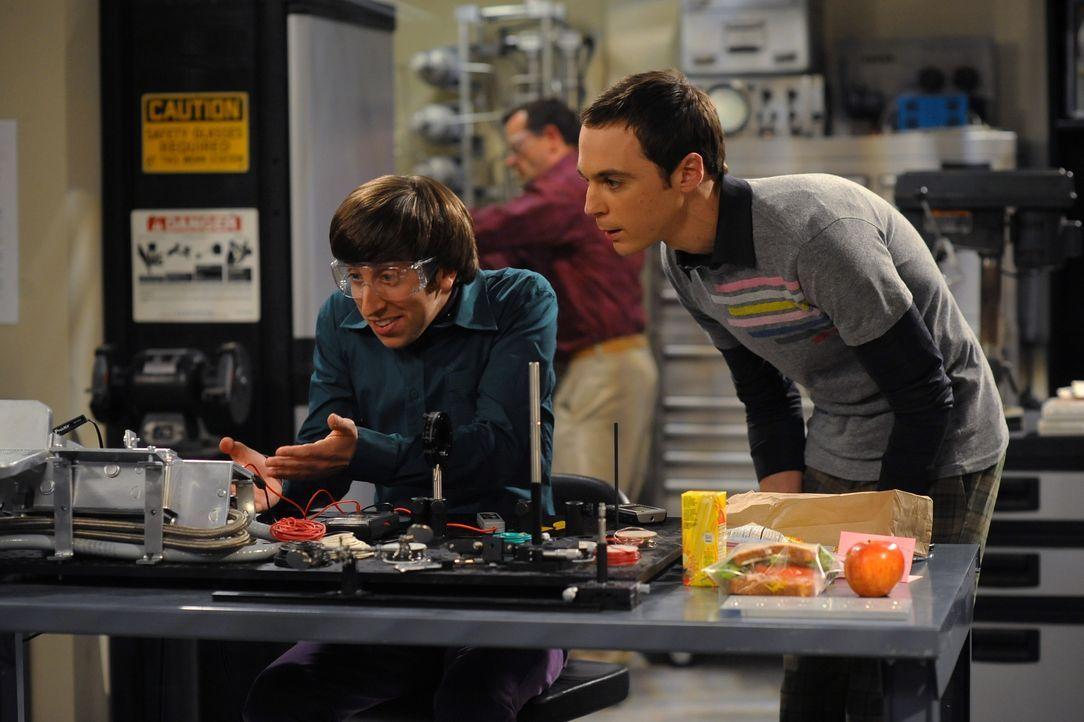 Howard Wolowitz (Simon Helberg, l.); Sheldon Cooper (Jim Parsons, r.) - Bildquelle: Warner Bros. Television
