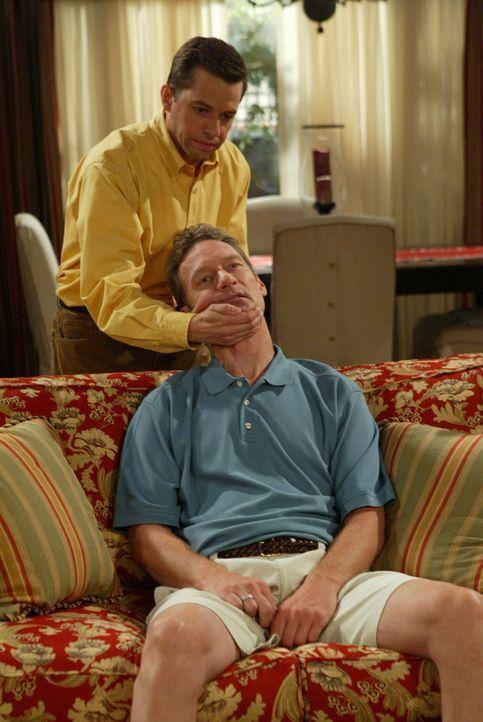 Alan Harper (Jon Cryer, l.); Dr. Greg Melnick (Ryan Stiles, r.) - Bildquelle: Warner Brothers Entertainment Inc.