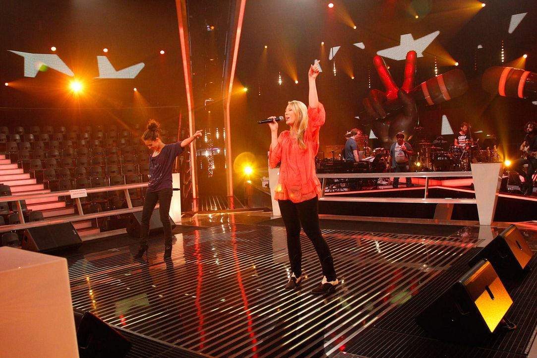 battle-alina-vs-christin04-the-voice-of-germany-huebnerjpg 1700 x 1133 - Bildquelle: SAT1/ProSieben/Richard Hübner
