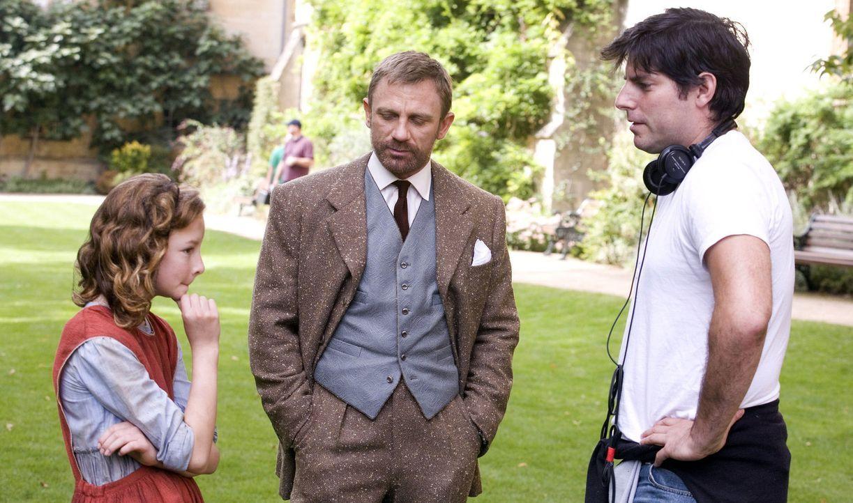 Bei den Dreharbeiten ... - Bildquelle: Warner Bros.