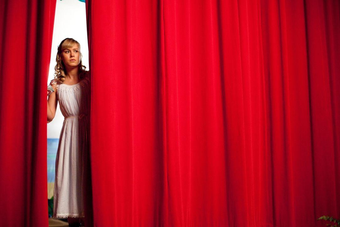 Noch ahnt Molly (Brie Larson) nicht, dass die Schulaufführung von Peter Pan im Desaster enden wird ... - Bildquelle: TM &  2014 Metro-Goldwyn-Mayer Studios Inc. All Rights Reserved.