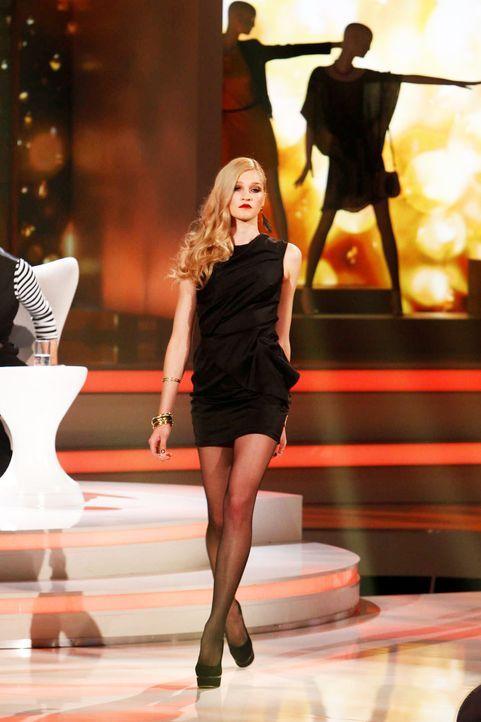 Fashion-Hero-Epi06-Gewinneroutfits-Rayan-Odyll-s-Oliver-02-Richard-Huebner - Bildquelle: Richard Huebner