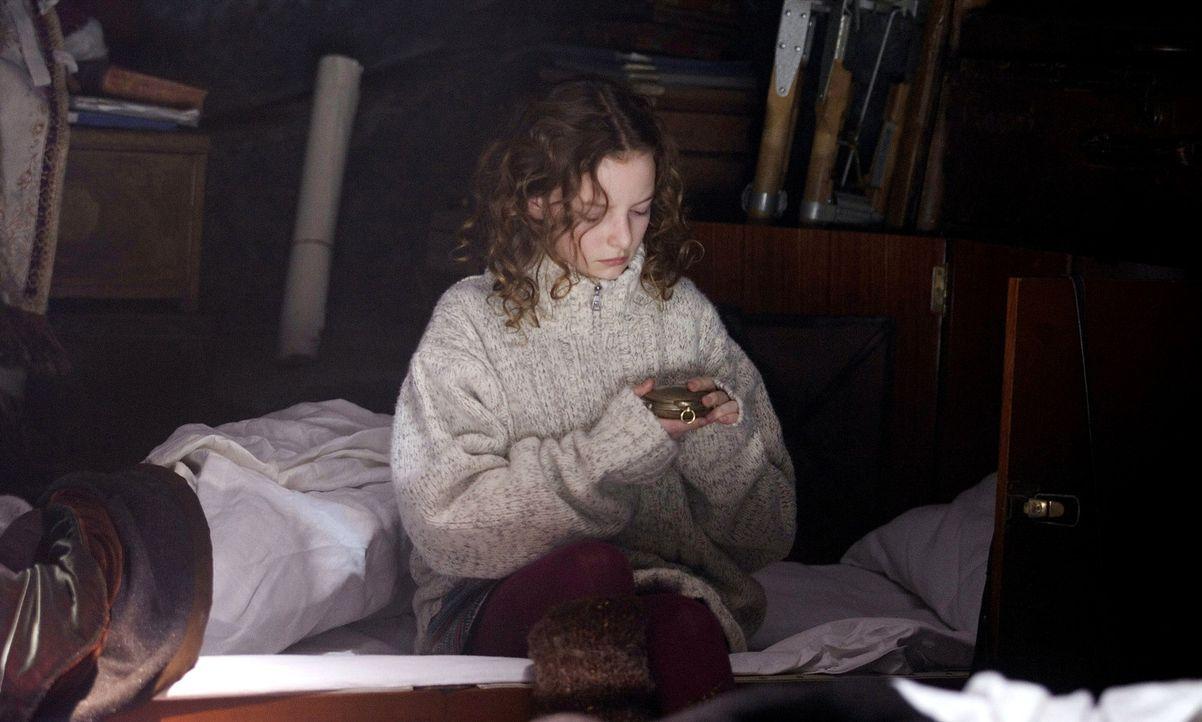 Versucht, die Macht das Schicksal zu brechen: die kleine Lyra (Dakota Blue Richards) ... - Bildquelle: Warner Bros.