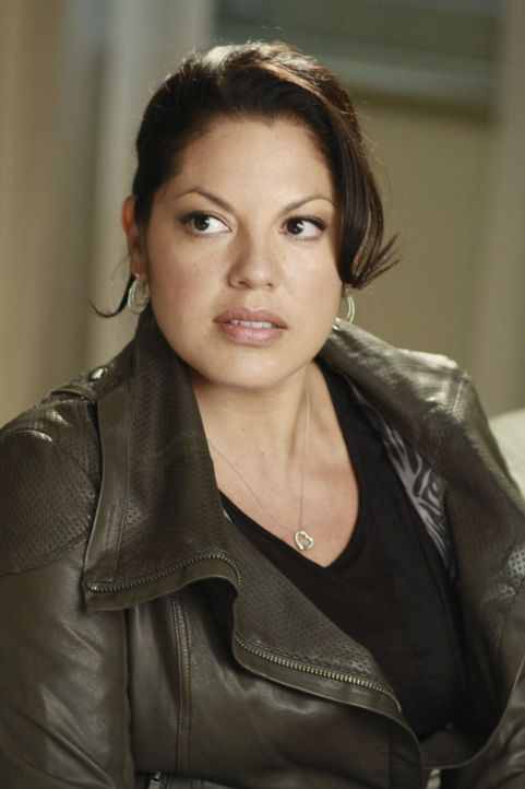 Während Derek erfolgreich einen Gehirntumor entfernt, ist Callie (Sara Ramirez) genervt von Mark und Arizona ... - Bildquelle: ABC Studios