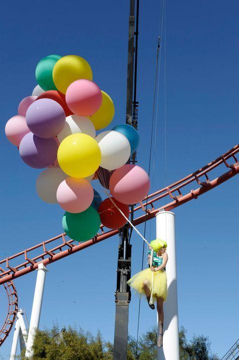 GNTM-Stf09-Epi03-BallonShooting-024-ProSieben-Oliver-S - Bildquelle: ProSieben/Oliver S.