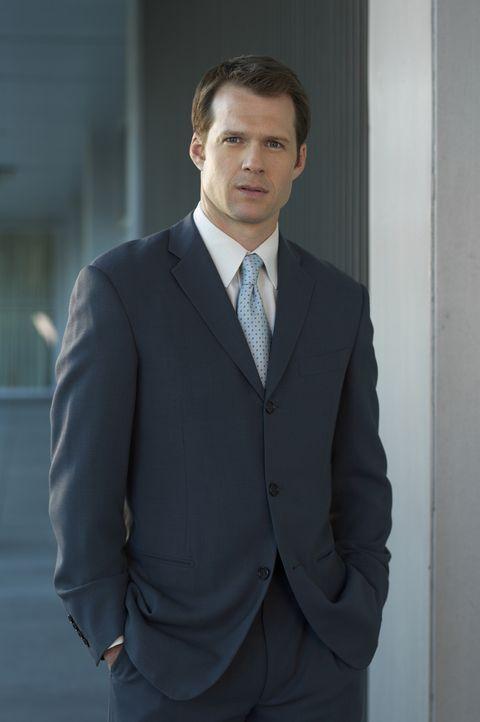 Frank Heinhoff (Ross Gibby) steht vor einem Rätsel ... - Bildquelle: TM &   2006 CBS Studios Inc. All Rights Reserved.