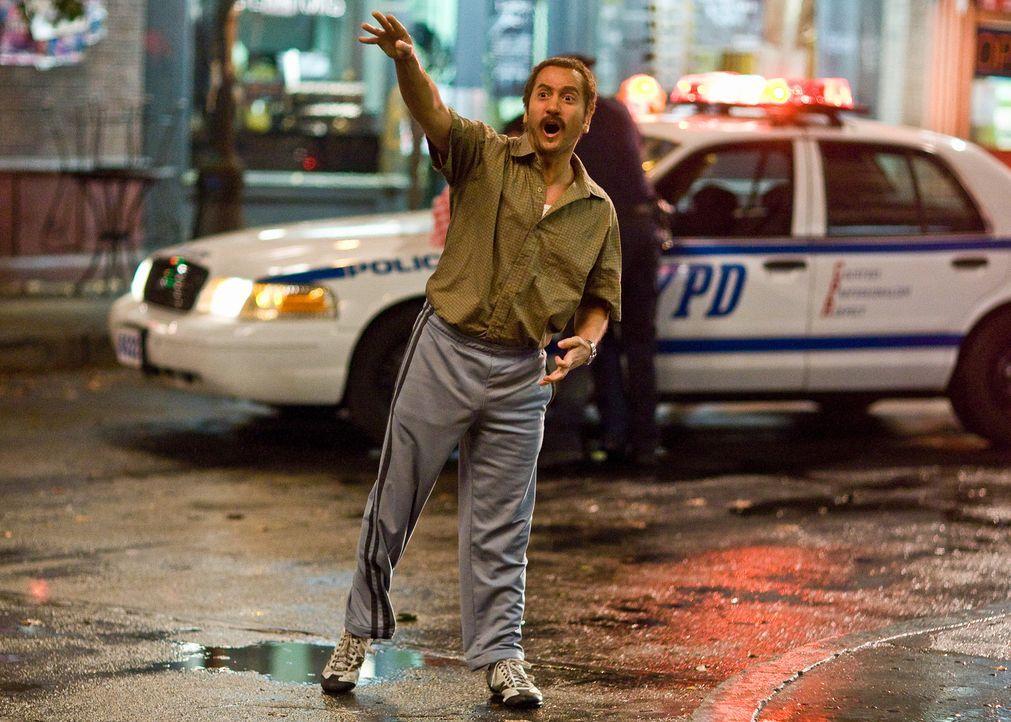 Taxiterrorist Salim (Rob Schneider) hat ein ausgeprägtes Faible für niedliche Ziegen ... - Bildquelle: 2008 Columbia Pictures Industries, Inc. and Beverly Blvd LLC. All Rights Reserved.