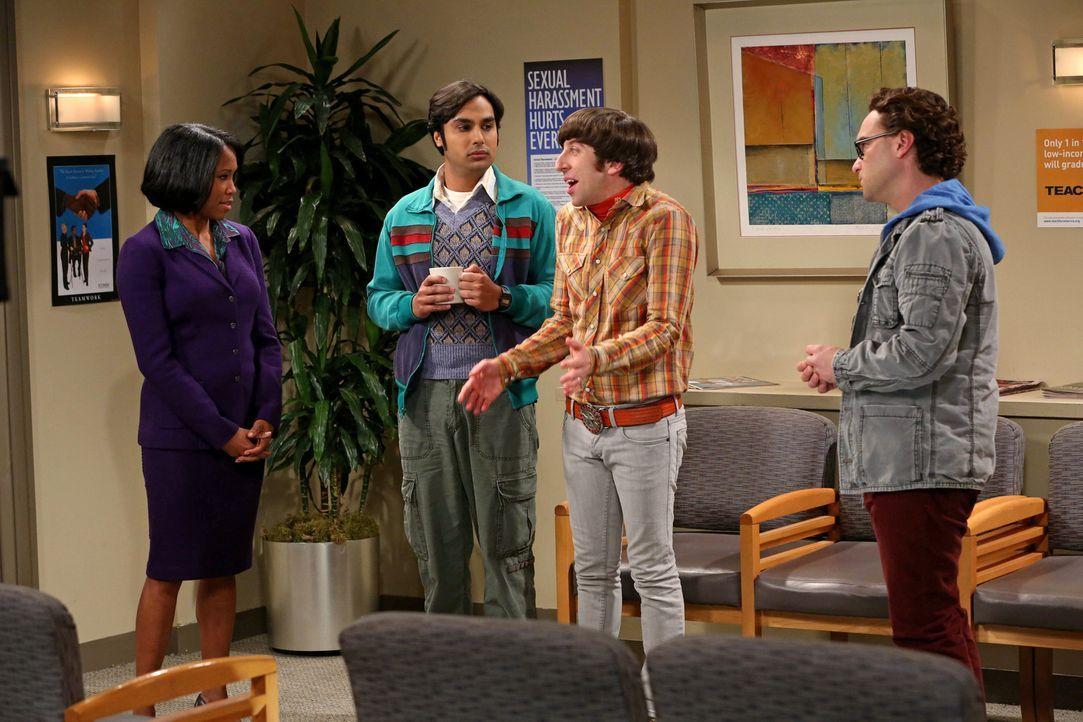 Als Sheldon an der Universität der sexuellen Belästigung beschuldigt wird, kann er das nicht einsehen und zieht Leonard (Johnny Galecki, r.), Raj (K... - Bildquelle: Warner Bros. Television