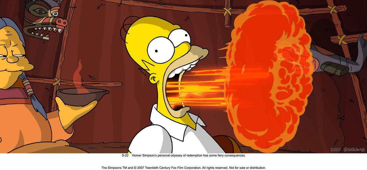 Einer Inuit-Frau (l.) gelingt es, Homer Simpson (r.) zu retteen mit einem offensichtlich feurigen Heilmittel ... - Bildquelle: 2007 Twentieth Century Fox Film Corporation