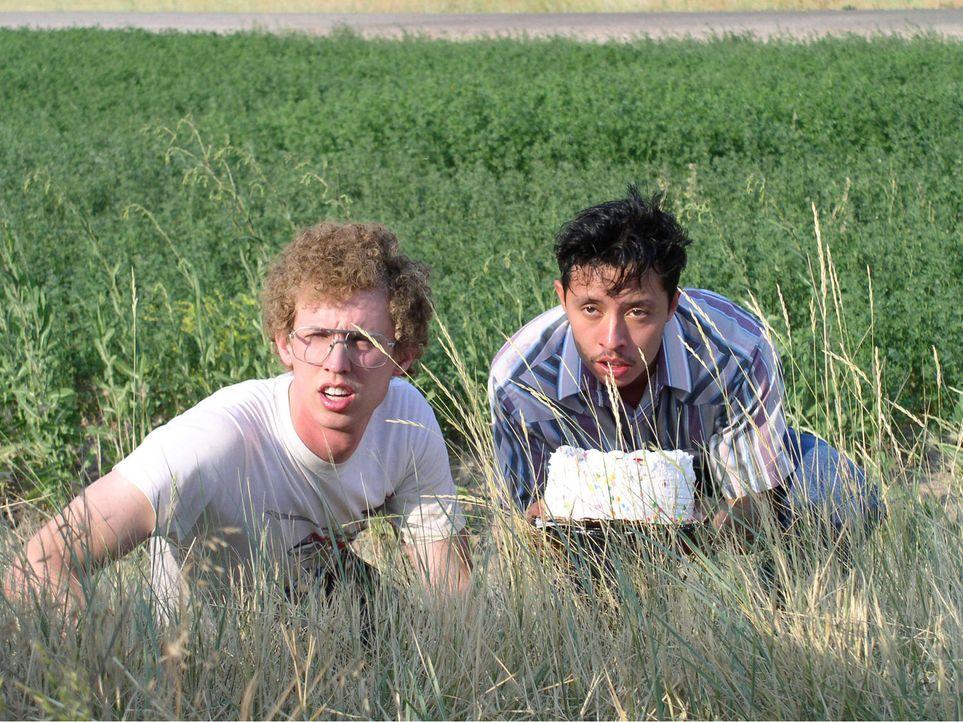 Beste Freunde: Napoleon Dynamite (Jon Heder, l.) und Pedro (Efren Ramirez, r.) ... - Bildquelle: TM & © 2006 Paramount Pictures. All Rights Reserved.
