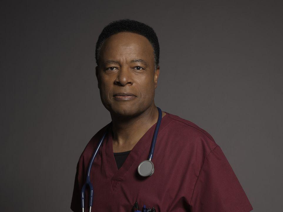 (1. Staffel) - Dr. Rollie Guthrie (William Allen Young) steht im ständigen Konflikt mit seinem Sohn, der auch im LA County Hospital arbeitet ... - Bildquelle: Kurt Iswarienkio 2015 ABC Studios