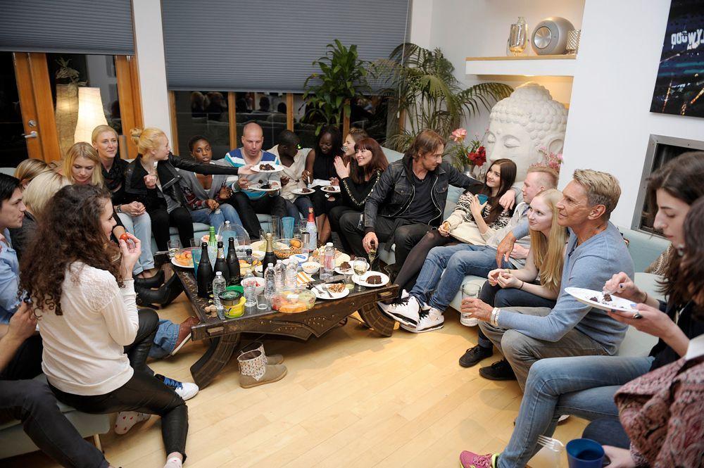 GNTM-Stf09-Epi09-Familienbesuch-19-ProSieben-Oliver-S - Bildquelle: ProSieben/Oliver S.