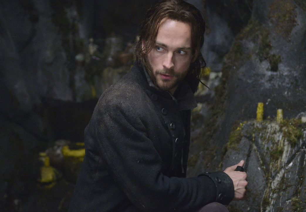 Eines Tages findet sich Ichabod Crane (Tom Mison), der Captain aus dem amerikanischen Unabhängigkeitskrieg, im Jahr 2013 in Sleepy Hollow wieder un... - Bildquelle: 2013 Twentieth Century Fox Film Corporation. All rights reserved.
