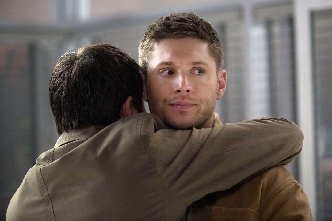 Als Castiel ihn bittet, mit Gewalt Informationen aus einem Engel herauszubekommen, ist Dean (Jensen Ackles) sofort dabei - ohne Skrupel ... - Bildquelle: 2013 Warner Brothers