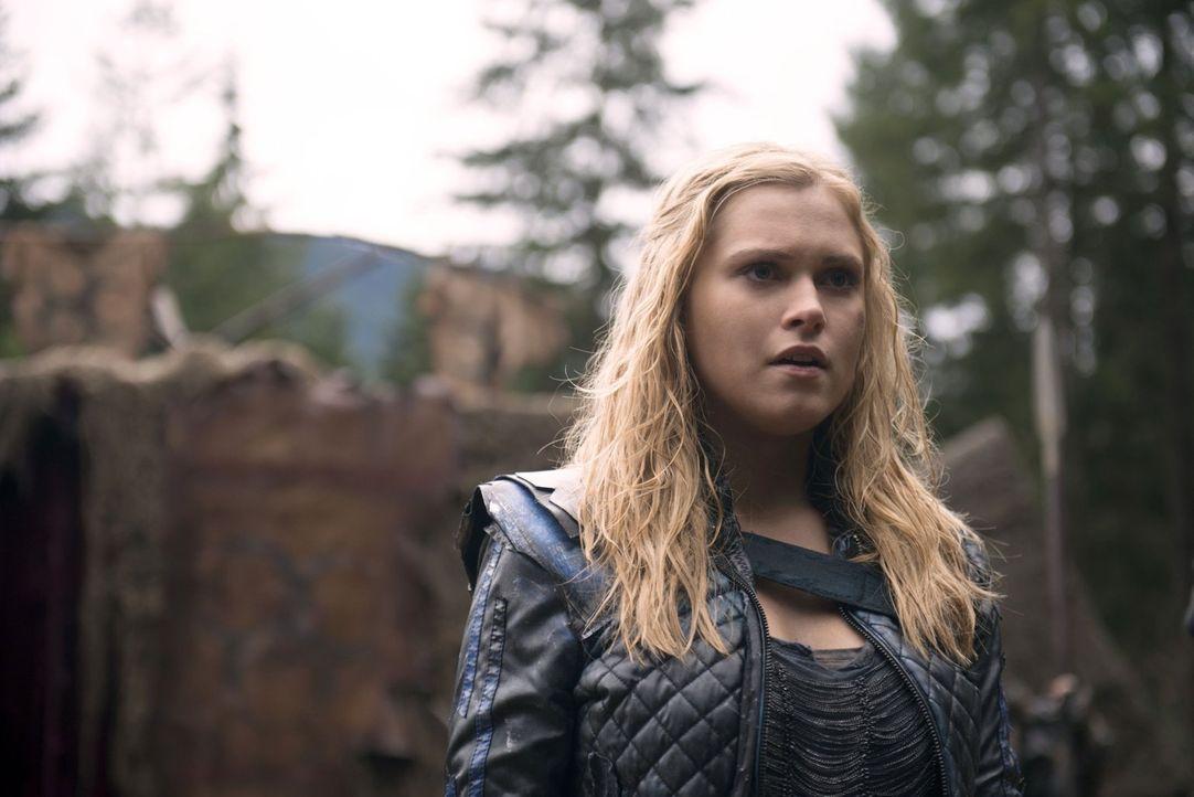 Clarke (Eliza Taylor) hadert mit ihrer Rolle als Anführerin. Kann Lexa ihr die Kraft geben, ihr Volk trotzdem zu leiten? - Bildquelle: 2014 Warner Brothers