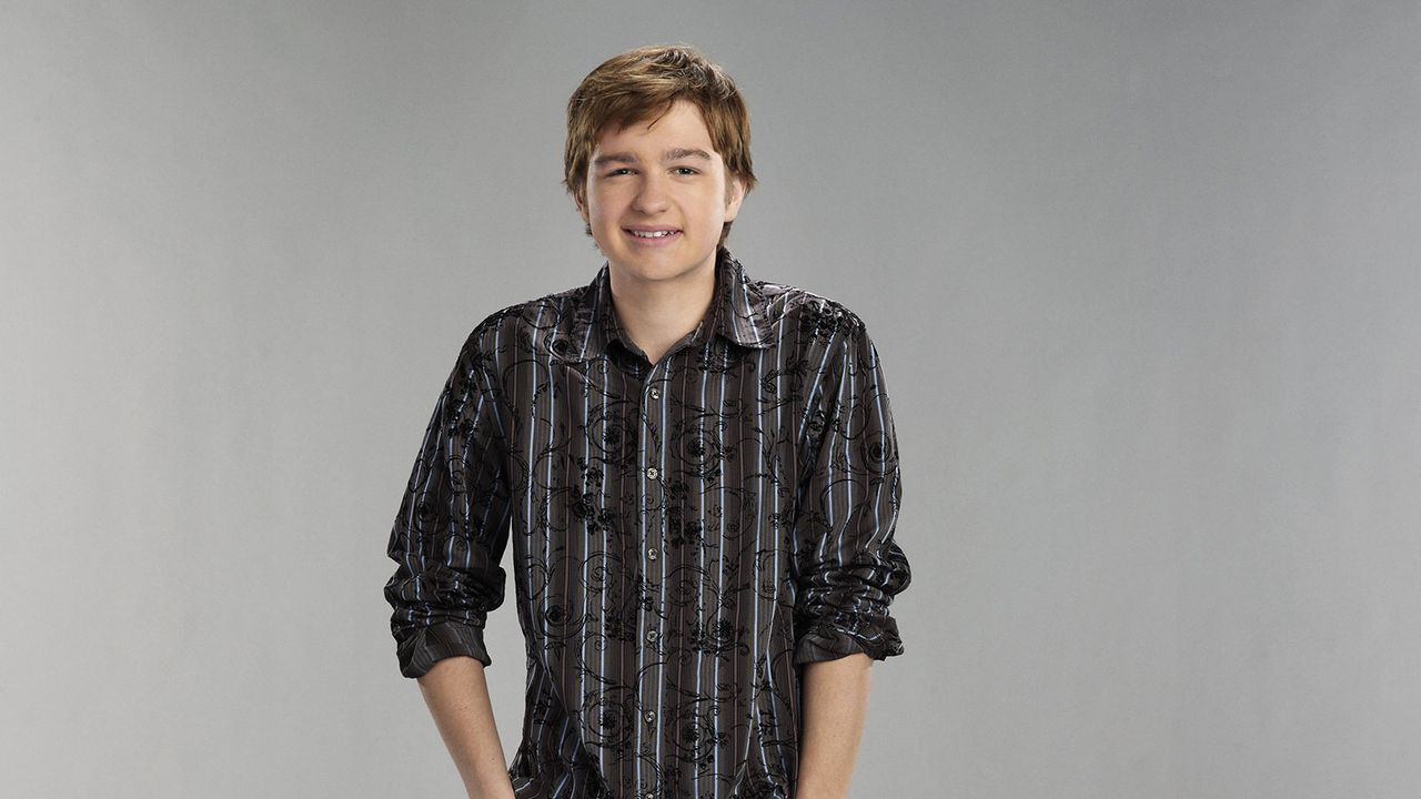 "Angus T. Jones spielt in ""Two and a half Men"" Jake Harper"