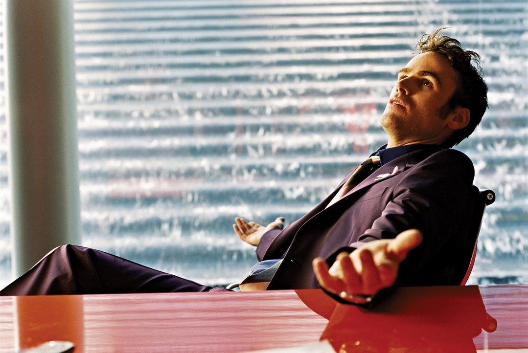 Gehört schon seit längerem zum Establishment, das er einst bekämpfte: Maik (Sebastian Blomberg). Doch dann muss der erfolgreiche Werbemanager erl... - Bildquelle: 2003 Sony Pictures Television International