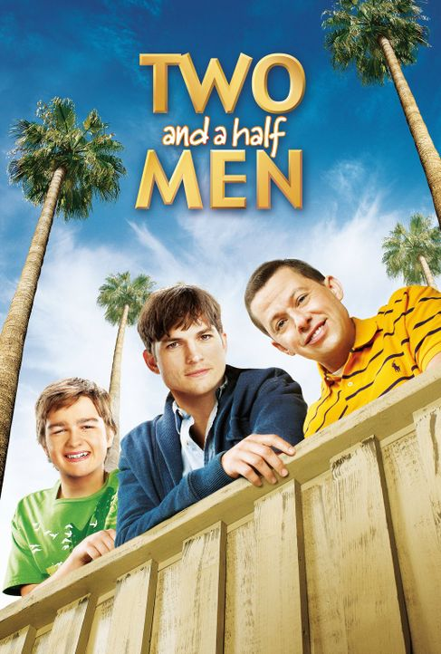 (11. Staffel) - Two and a Half Men: Walden Schmidt (Ashton Kutcher, M.), Alan (Jon Cryer, r.) und Jake Harper (August T. Jones, l.) ... - Bildquelle: Warner Brothers Entertainment Inc.