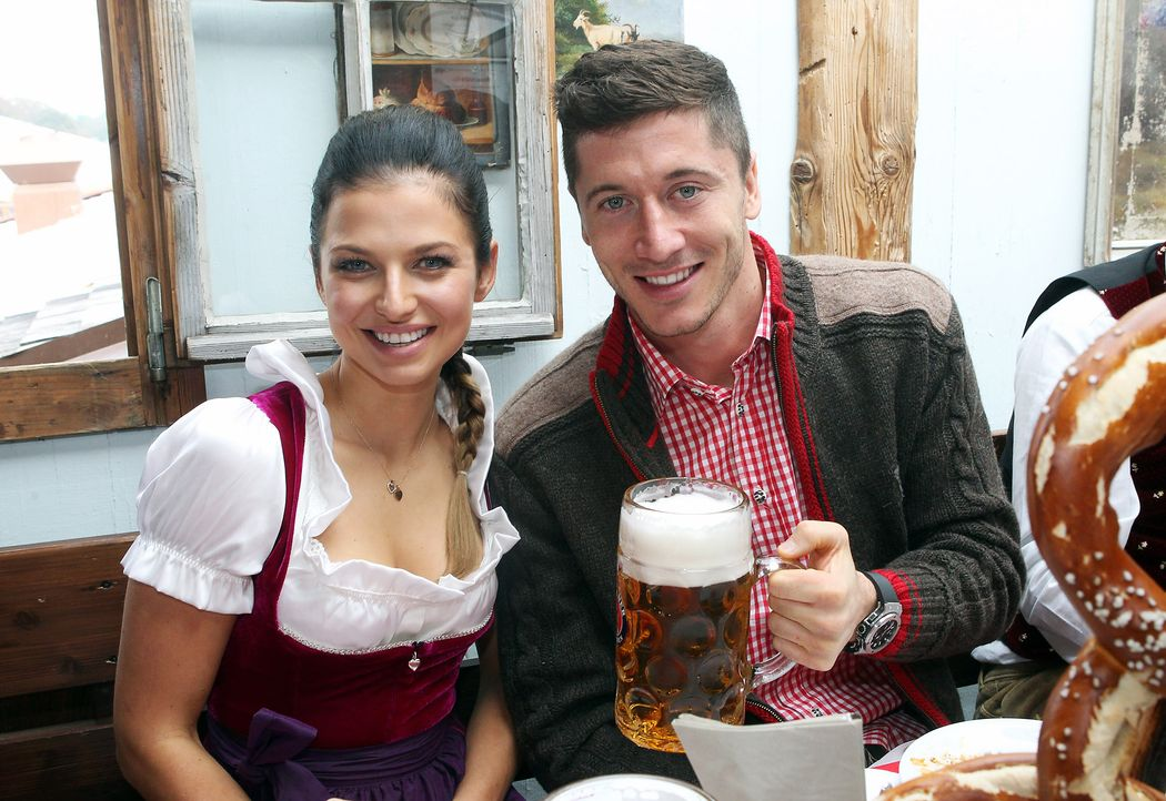 Robert-Lewandowski-Anna-Stachurska-14-10-05-2-dpa - Bildquelle: dpa