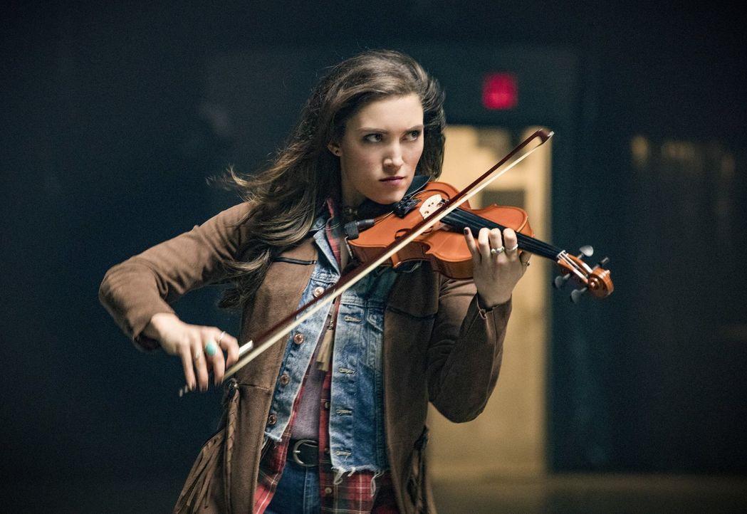 Izzys (Miranda MacDougall) Kräfte könnten von erheblichem Wert für Barry und das Team sein, doch dafür müsste sie diese auch kontrollieren können ..... - Bildquelle: 2017 Warner Bros.