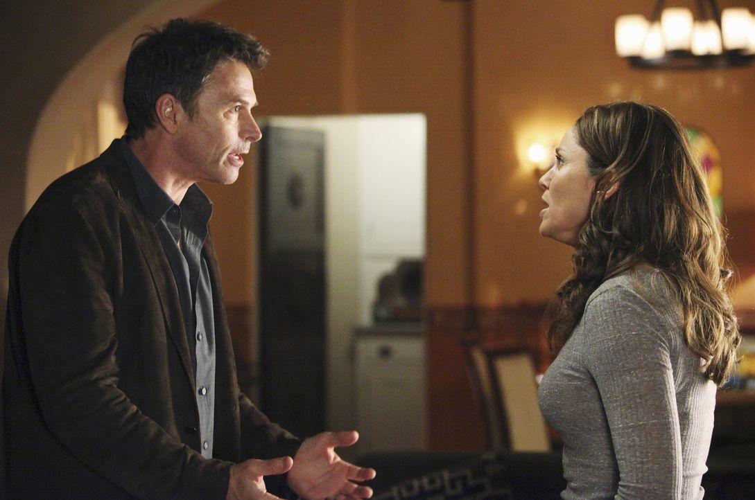 Steht ihre Beziehung auf dem Spiel? Pete (Tim Daly, l.) und Violet (Amy Brenneman, r.) ... - Bildquelle: ABC Studios
