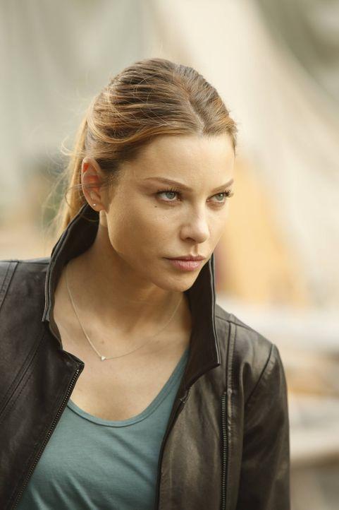 Als Chloe (Lauren German) erfährt, dass der gestohlenen Container Lucifer gehört, will sie unbedingt wissen, was er dort gelagert hat. Wird er ihr d... - Bildquelle: 2016 Warner Brothers