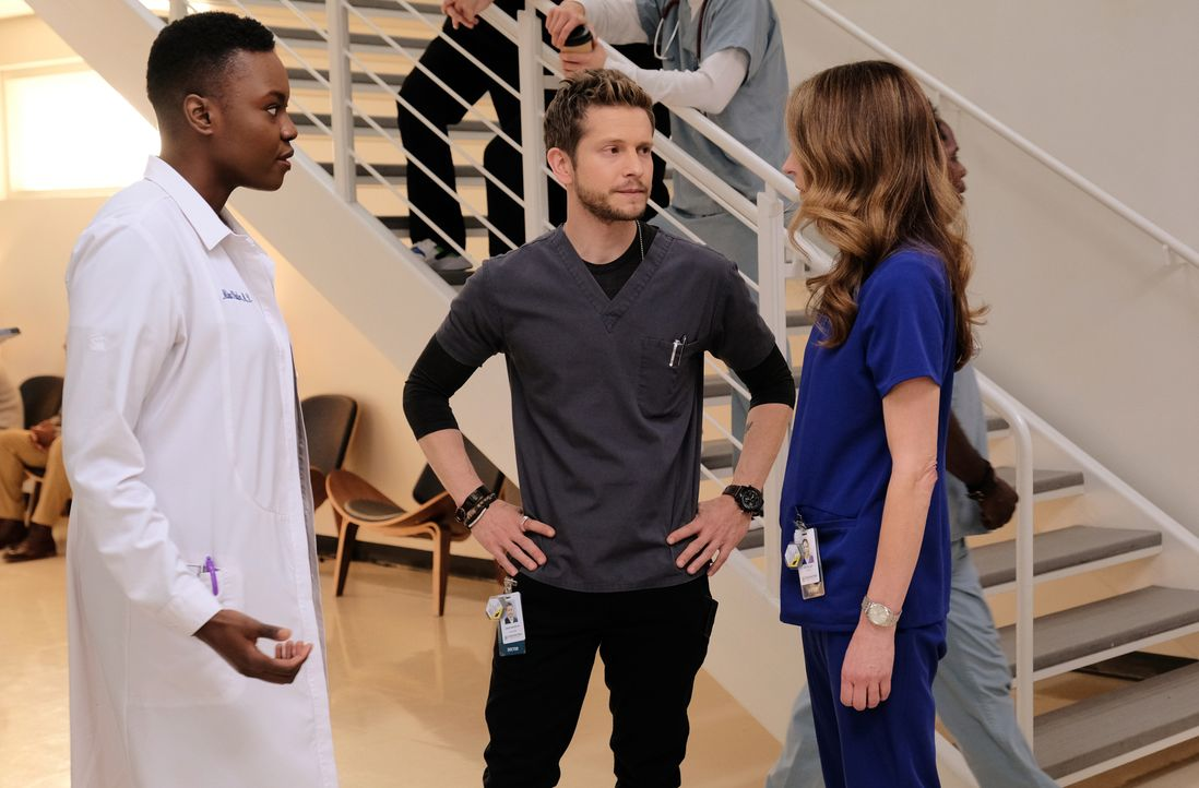 (v.l.n.r.) Dr. Mina Okafor (Shaunette Renée Wilson); Dr. Conrad Hawkins (Matt Czuchry); Dr. Kit Voss (Jane Leeves) - Bildquelle: 2018-2019 Twentieth Century Fox Film Corporation.  All rights reserved.