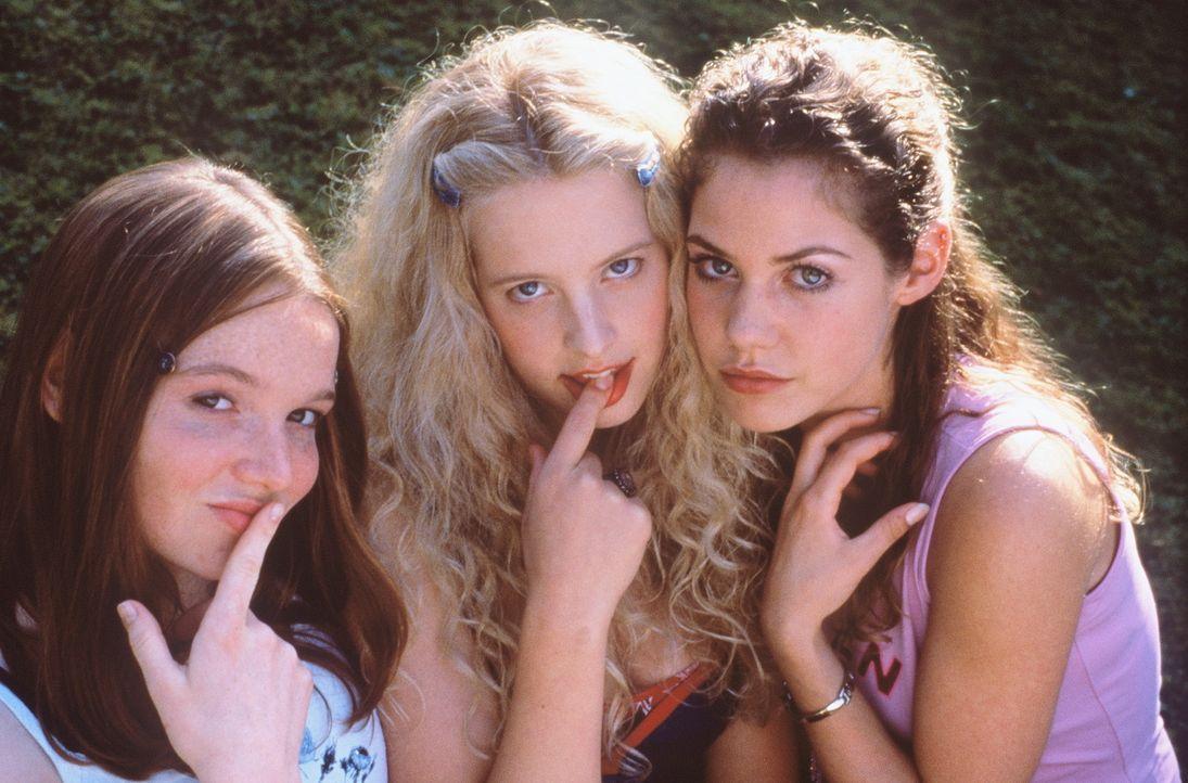 Lena (Karoline Herfurth, l.), Inken (Diana Amft, M.) und Victoria (Felicitas Woll, r.) sind fest davon überzeugt, dass ein Orgasmus Glückshormone... - Bildquelle: Constantin Film