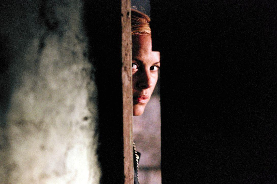 Nach und nach kommt Adelle (Maria Bello) keiner alten walisischen Legende auf die Spur, wonach ein Toter aus dem Totenreich zurückkehrt, wenn ein Le... - Bildquelle: Constantin Film