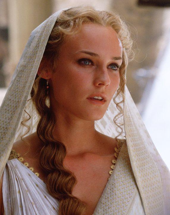 Gilt als eine der schönsten Frauen der Welt: Königin Helena (Diane Kruger) aus Sparta. Als sie mit Paris aus Menelaos' Palast verschwindet, ist ih... - Bildquelle: Warner Brothers International Television