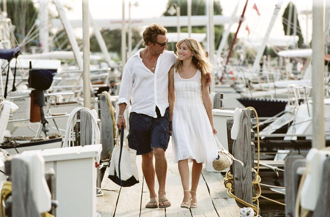 Nur mit der Hilfe ihrer Freunde finden Tripp (Matthew McConaughey, l.) und Paula (Sarah Jessica Parker, r.) schlussendlich zusammen ... - Bildquelle: TM &   Paramount Pictures. All Rights Reserved.